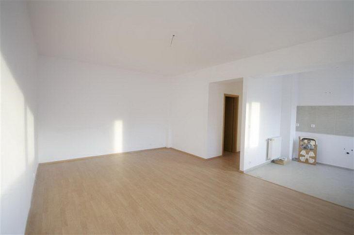 RealEstate-Romania-62537-01